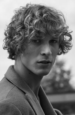The Best Men's Curly Hairstyles & Haircuts For 2021